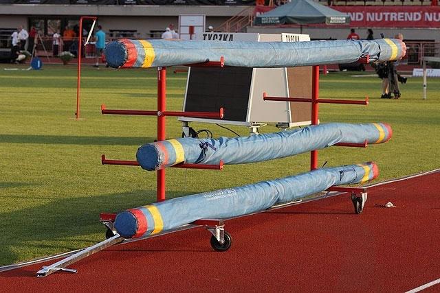 Carrello porta aste e asticelle polanik atletica leggera for Carrello porta ombrellone e sdraio